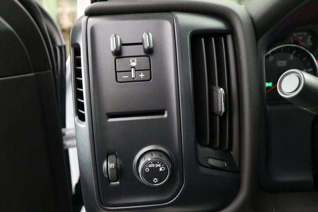 2019 Silverado 3500 Crew Cab DRW 4x4,  Reading Service Body #14C157533 - photo 22