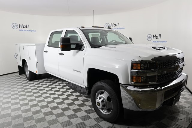 2019 Silverado 3500 Crew Cab DRW 4x4,  Reading Service Body #14C157533 - photo 4