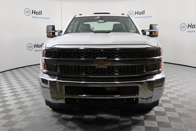 2019 Silverado 3500 Crew Cab DRW 4x4,  Reading Service Body #14C162087 - photo 3