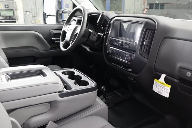 2019 Silverado 3500 Crew Cab DRW 4x4,  Reading Service Body #14C162087 - photo 8
