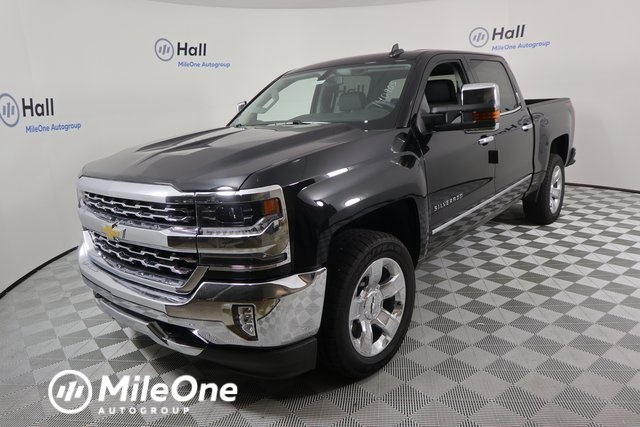 2018 Silverado 1500 Crew Cab 4x4,  Pickup #14C443238 - photo 1