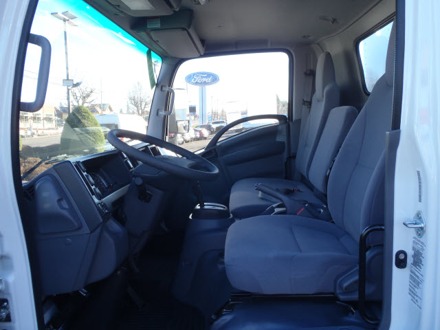 2017 LCF 4500XD Regular Cab, Summit Cutaway Van #T170158 - photo 8