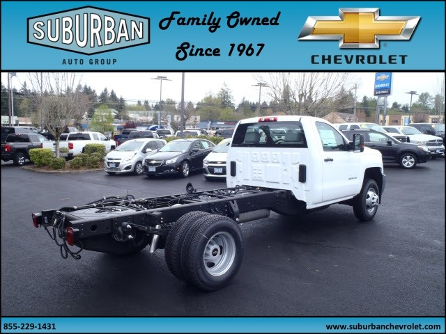 2017 Silverado 3500 Regular Cab 4x4, Cab Chassis #T170432 - photo 4