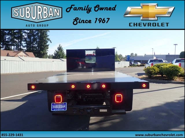 2017 Silverado 3500 Regular Cab, Reading Platform Body #T170595 - photo 4