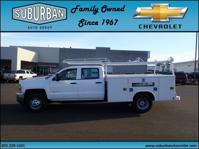 2017 Silverado 3500 Crew Cab DRW 4x2,  Reading Service Body #T170893 - photo 3