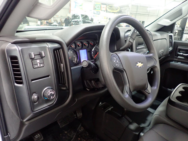 2017 Silverado 3500 Regular Cab DRW 4x4, Reading Classic II Steel Service Body #T170940 - photo 8