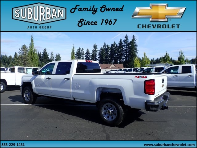 2018 Silverado 3500 Crew Cab 4x4 Pickup #T180040 - photo 2