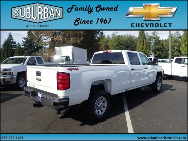 2018 Silverado 3500 Crew Cab 4x4 Pickup #T180040 - photo 4