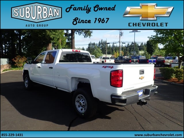 2018 Silverado 2500 Crew Cab 4x4 Pickup #T180056 - photo 2