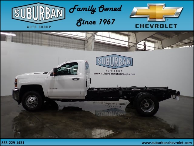2018 Silverado 3500 Regular Cab 4x4 Cab Chassis #T180217 - photo 3