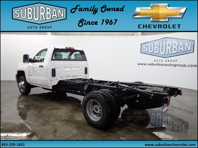 2018 Silverado 3500 Regular Cab 4x4 Cab Chassis #T180217 - photo 2