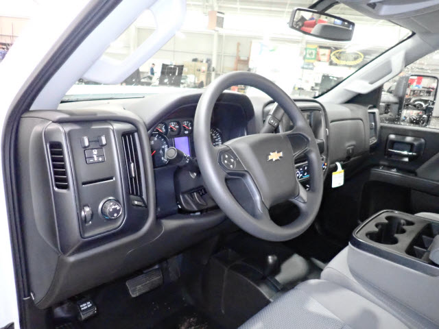 2018 Silverado 3500 Regular Cab 4x4 Cab Chassis #T180217 - photo 8