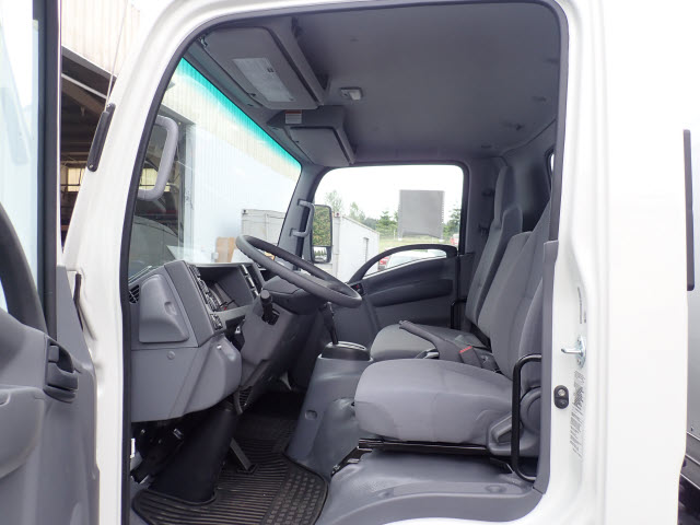 2018 LCF 4500XD Regular Cab,  Dry Freight #T180680 - photo 8