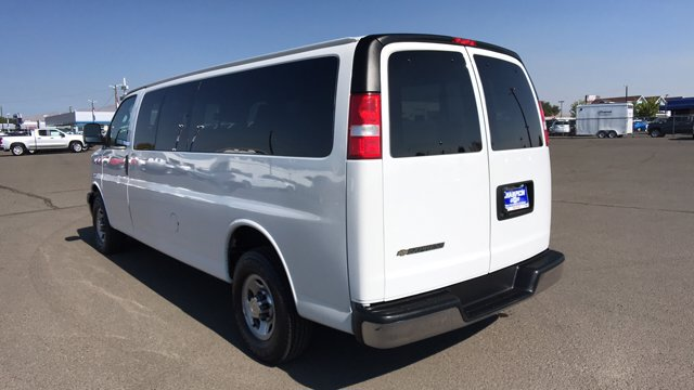 2019 Chevrolet Express 3500 4x2, Passenger Wagon #P15730 - photo 1