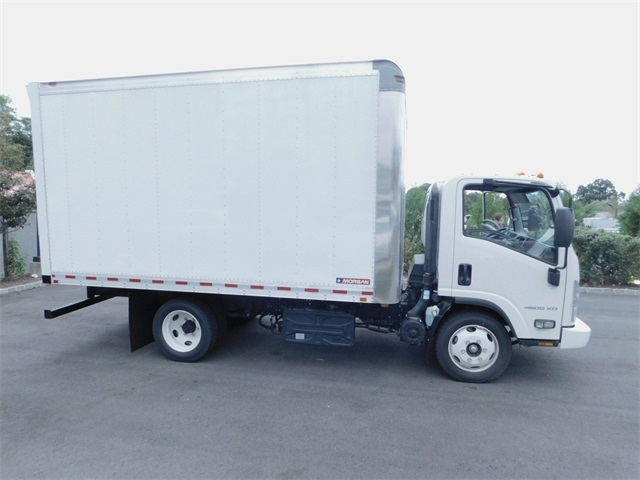 2017 LCF 4500XD Regular Cab 4x2,  Morgan Dry Freight #N171536 - photo 3