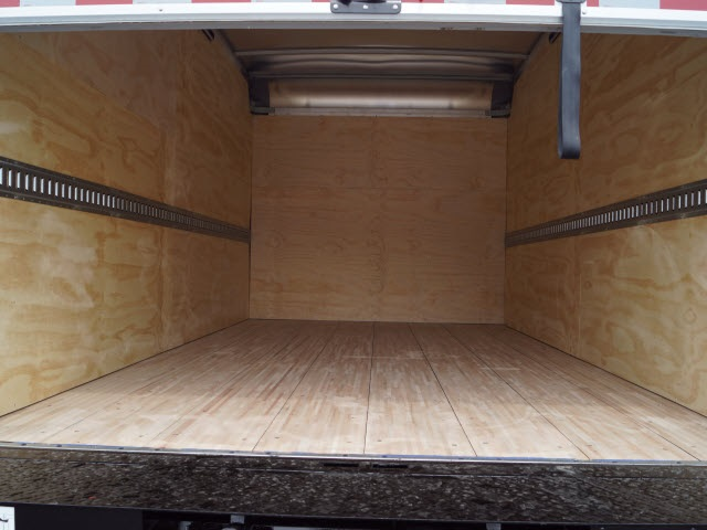 2018 LCF 5500XD Regular Cab, Dry Freight #N180149 - photo 10