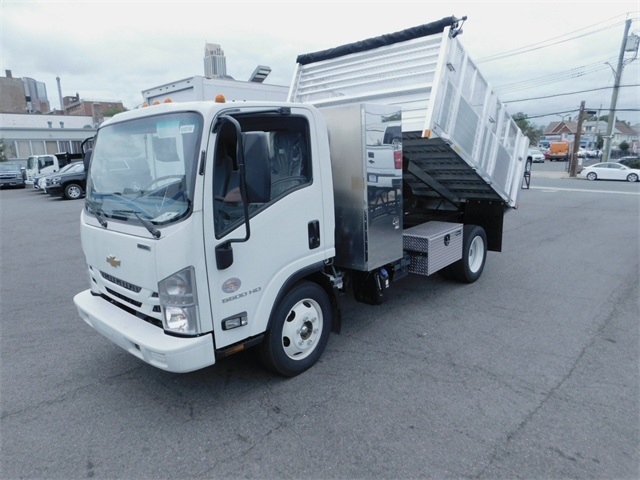 2018 LCF 5500HD Regular Cab,  Burquip Landscape Dump #N180164 - photo 5
