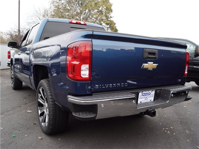 2018 Silverado 1500 Crew Cab 4x4 Pickup #N180224 - photo 2