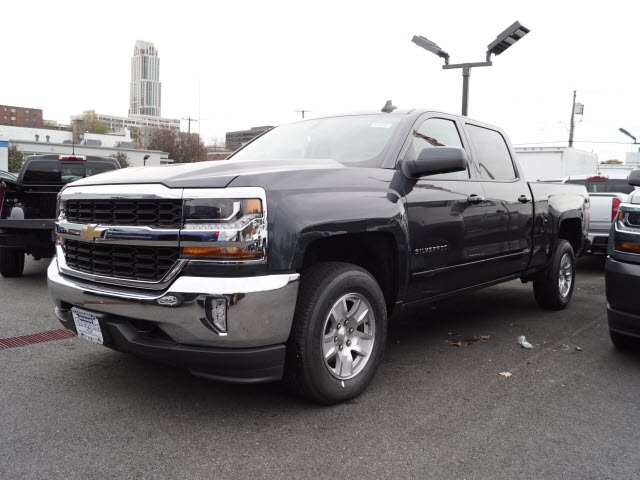 2018 Silverado 1500 Crew Cab 4x4 Pickup #N180301 - photo 1