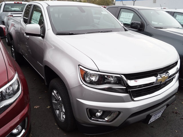 2018 Colorado Extended Cab 4x4, Pickup #N180308 - photo 3