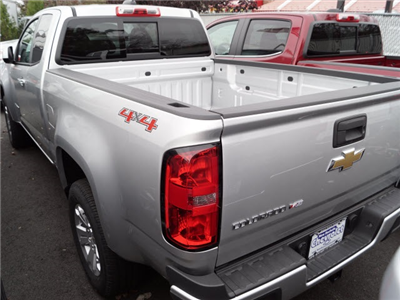 2018 Colorado Extended Cab 4x4, Pickup #N180308 - photo 2