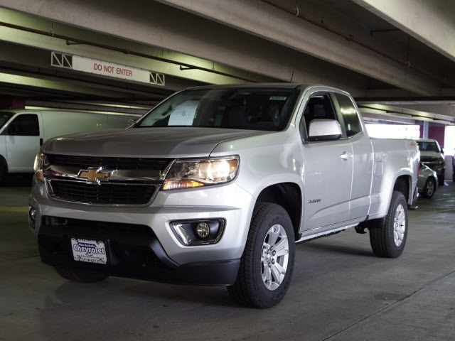 2018 Colorado Extended Cab 4x4, Pickup #N180316 - photo 2