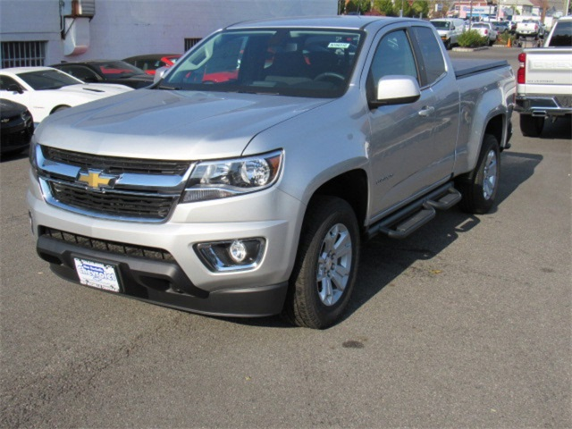 2018 Colorado Extended Cab 4x4, Pickup #N180316 - photo 5