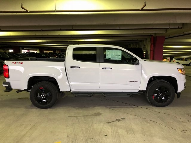 2018 Colorado Crew Cab 4x4, Pickup #N180332 - photo 2