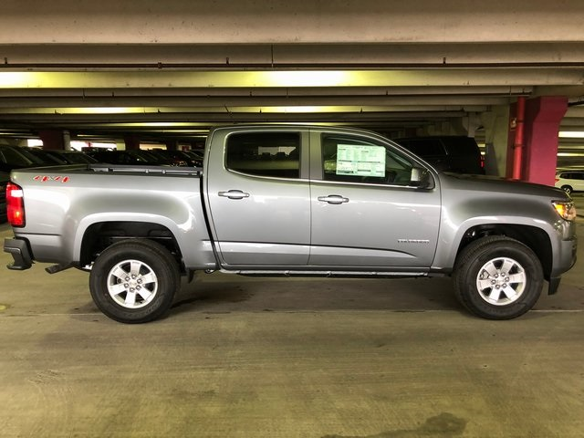 2018 Colorado Crew Cab 4x4, Pickup #N180593 - photo 3