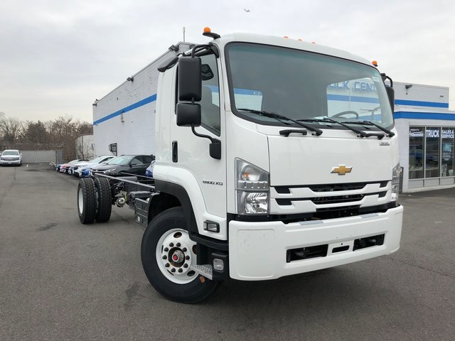 2018 LCF 6500XD Regular Cab, Cab Chassis #N180656 - photo 4