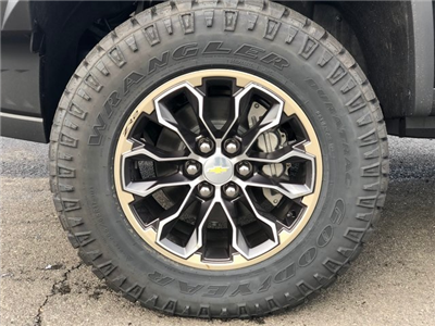 2018 Colorado Crew Cab 4x4,  Pickup #N180667 - photo 15