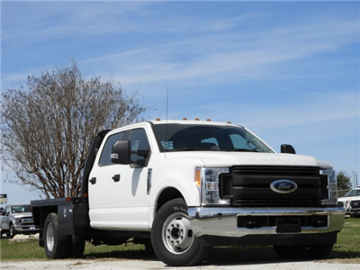 2017 F-350 Crew Cab DRW, Platform Body #HEC17001 - photo 3