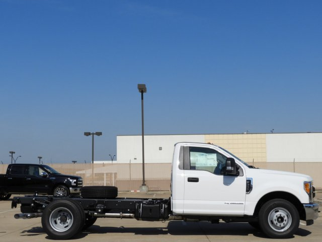 2017 F-350 Regular Cab DRW, Cab Chassis #HED80668 - photo 4