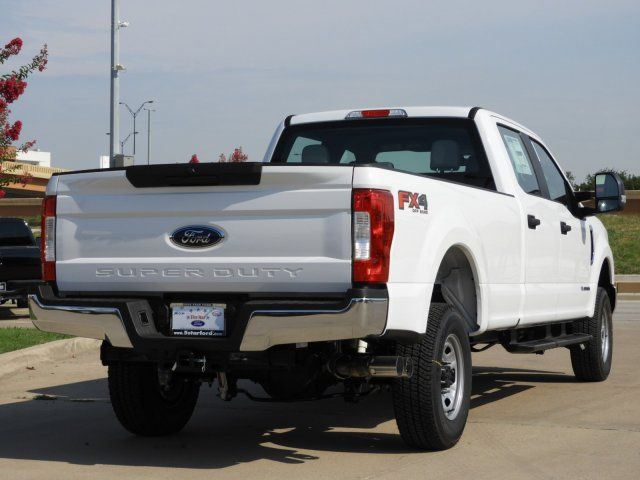 2017 F-250 Crew Cab 4x4 Pickup #HEE34863 - photo 2