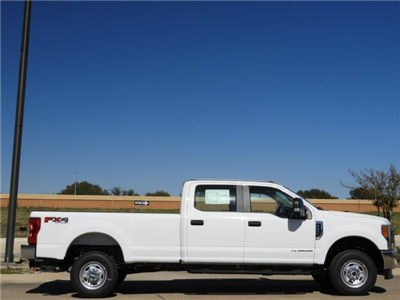 2017 F-350 Crew Cab 4x4 Pickup #HEE86701 - photo 4
