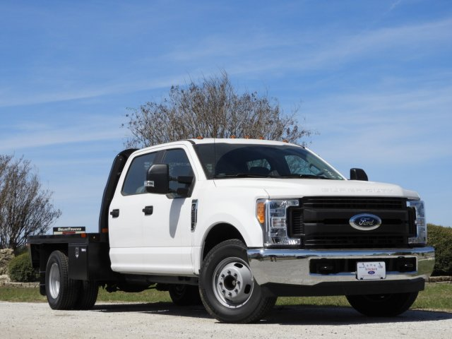 2017 F-350 Crew Cab DRW 4x2,  Knapheide Platform Body #HEF23705 - photo 3