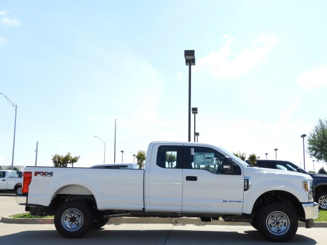 2018 F-250 Super Cab 4x4,  Pickup #JEC25497 - photo 4