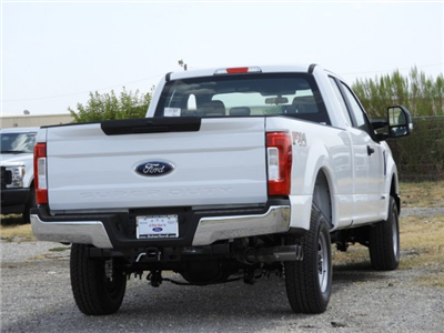 2018 F-250 Super Cab 4x4,  Pickup #JEC25500 - photo 2