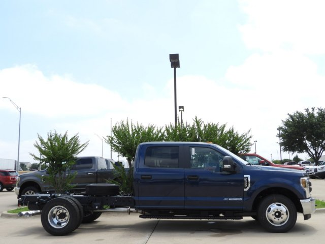 2019 F-350 Crew Cab DRW 4x2, Cab Chassis #KEE90049 - photo 3