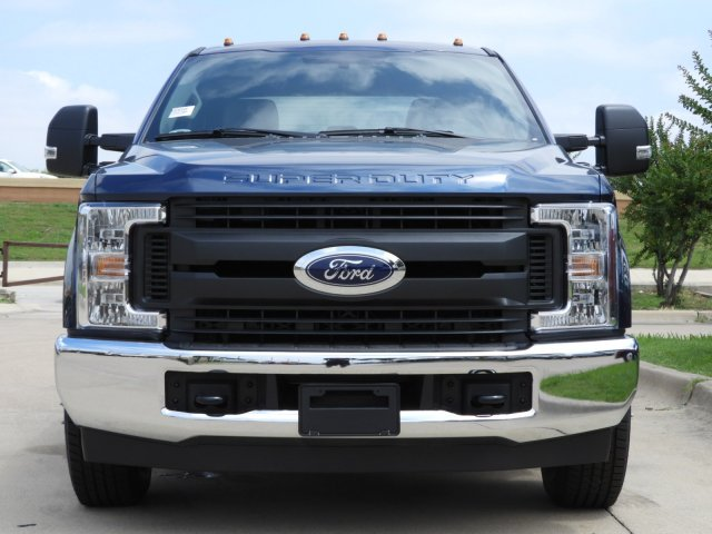 2019 F-350 Crew Cab DRW 4x2, Cab Chassis #KEE90049 - photo 8