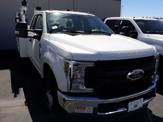 2019 F-350 Super Cab DRW 4x4, Knapheide Standard Service Body Mechanics Body #KEF22145 - photo 4
