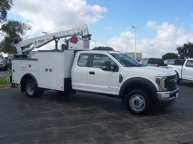 2019 F-550 Super Cab DRW 4x4,  Reading Mechanics Body #KEF66582 - photo 1