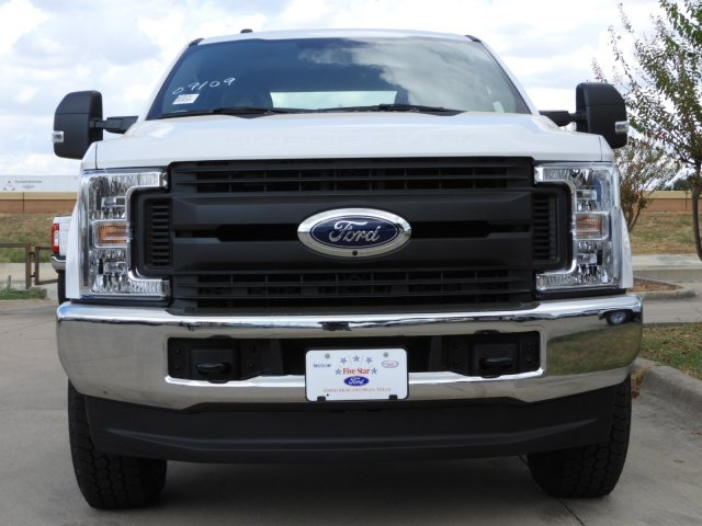 2019 F-350 Crew Cab 4x4, Pickup #KEG38175 - photo 8