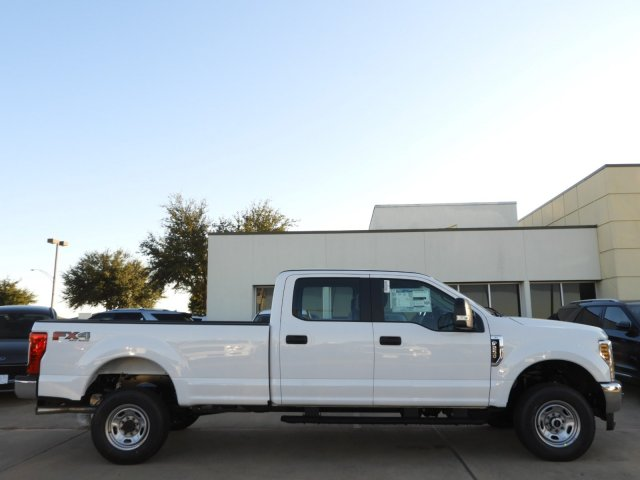 2019 F-250 Crew Cab 4x4, Pickup #KEG54660 - photo 3