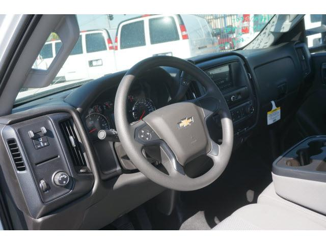 2017 Silverado 2500 Regular Cab, Service Body #172392 - photo 4