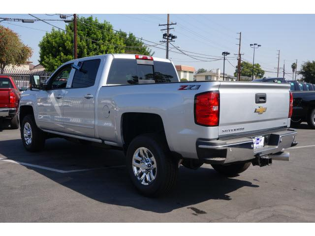 2018 Silverado 2500 Crew Cab 4x4 Pickup #180303 - photo 2
