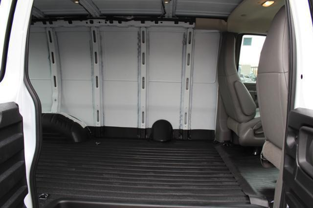 2019 Express 2500 4x2,  Empty Cargo Van #191287 - photo 9