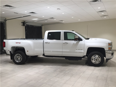 2019 Silverado 3500 Crew Cab 4x4,  Pickup #44785 - photo 8