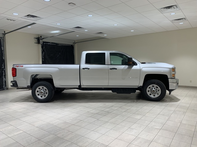 2019 Silverado 3500 Crew Cab 4x4,  Pickup #45239 - photo 8