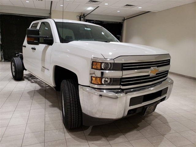 2018 Silverado 3500 Double Cab 4x4,  Cab Chassis #45379 - photo 3